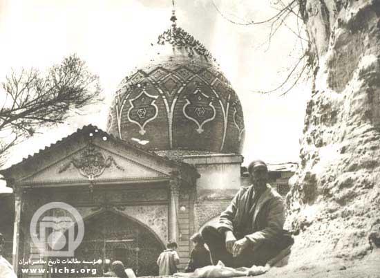بارگاه امامزاده صالح و درخت چنار معروف آن - دوره پهلوی